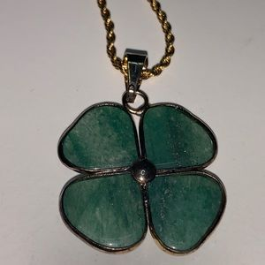 Green agate 4 leaves clover pendant in a chain